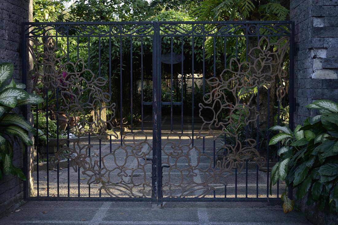 New Orleans Fence Company can provide selection and advice on Gates and Remote Openers.